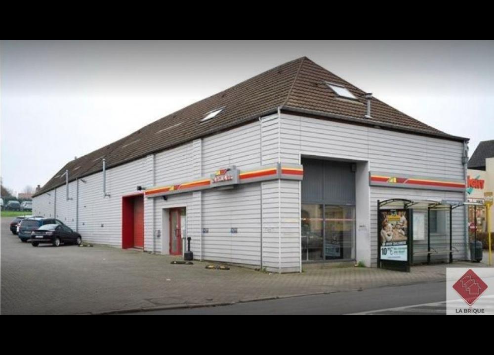 A LOUER - WATERLOO - Commerce / Atelier 600 m²